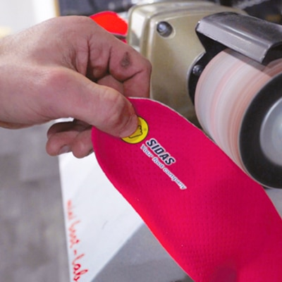 Hand customizing insoles