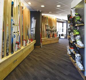 intérieur du magasin de ski mountain story