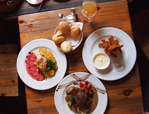 plats de restaurant à Tignes