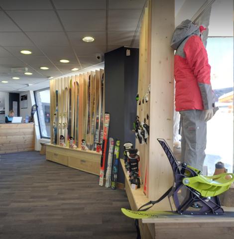 magasin de ski vu de l'intérieur