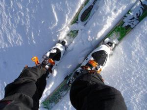 chaussures de skis portées