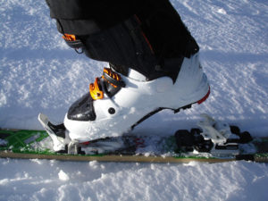 une chaussure de ski vue de près