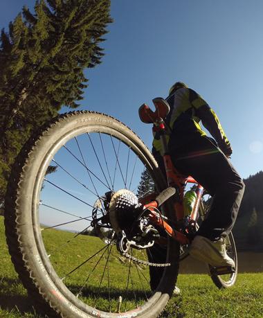 équipements de protection à avoir en vélo à la montagne